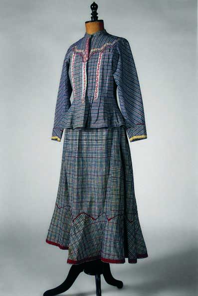 Φούστα και πολκάκι από καρό ύφασμα του τύπου Manchester gingham